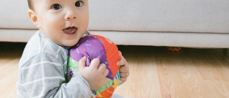 Мячик в руках