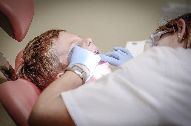 Стомотолог