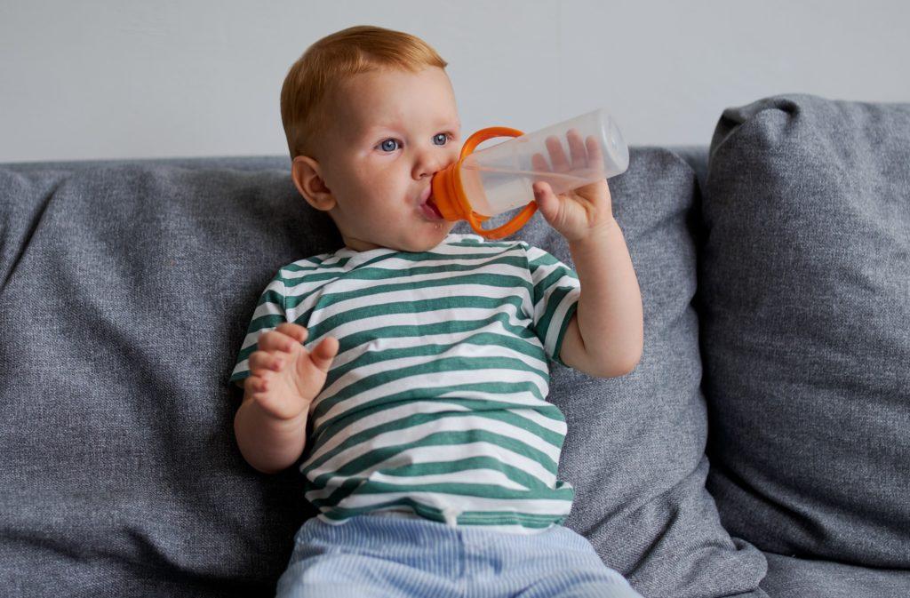 Бутылочка с водой